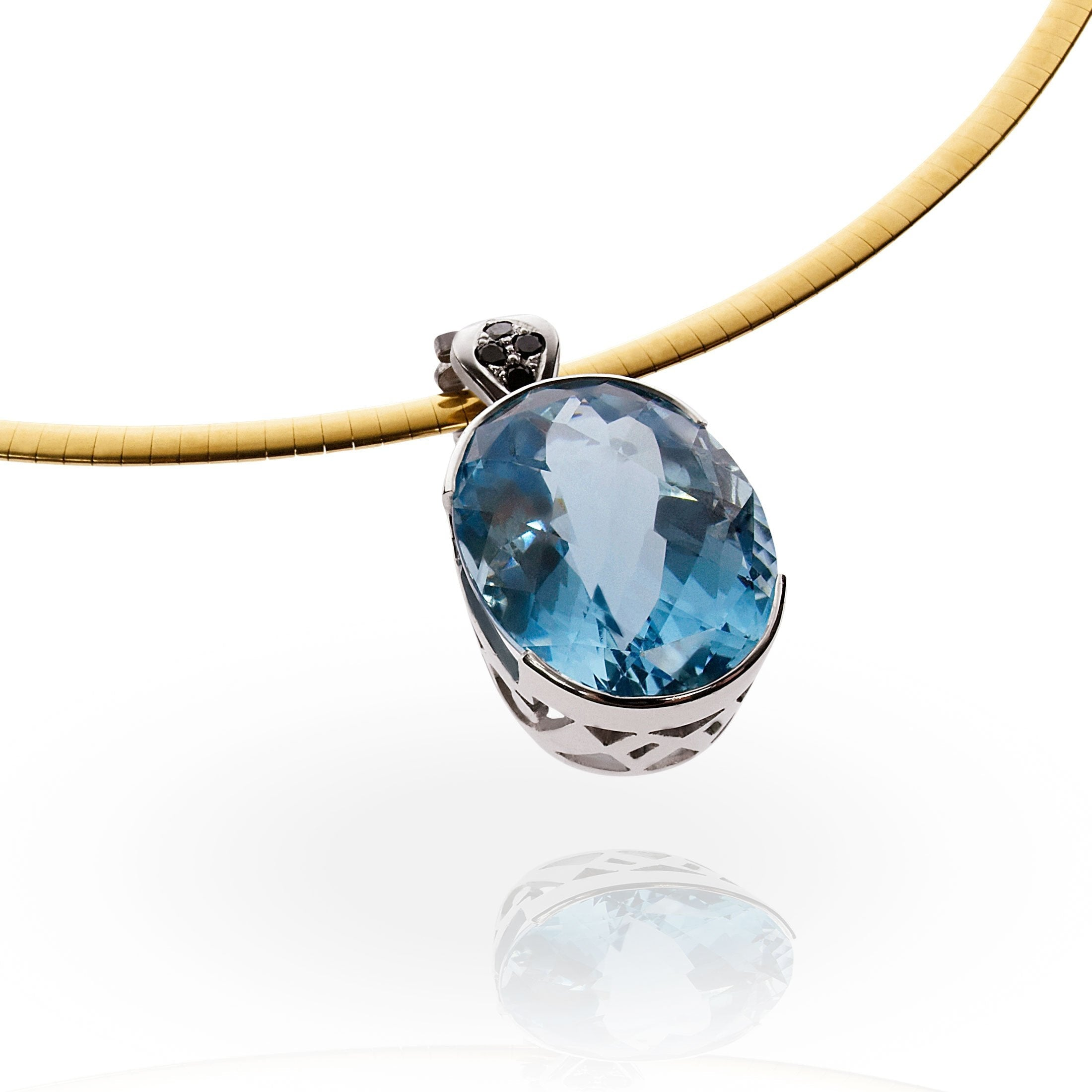 Smales 18ct White Gold Aquamarine Pendant Perth