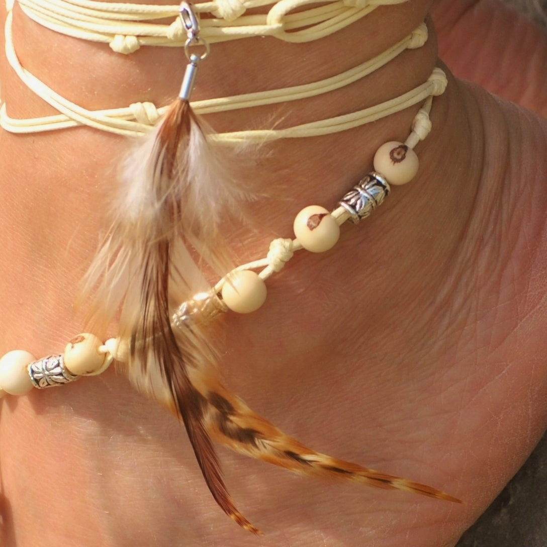 Brown & beige feathers charm