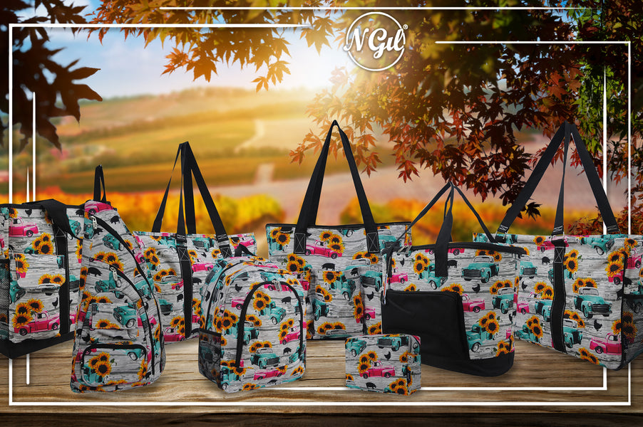 Vintage style trucks, quilted handbags, southern vintage trucks, vintage truck mini bags, gifts for mom, gifts under $20, vehicle related prints, truck prints, vintage, cute vintage style handbags, cute truck prints, cute insulated lunch bags