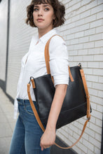 Abera Crossbody in Black/Cognac