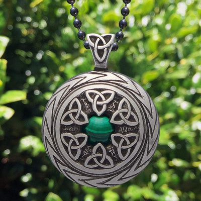 Triquetra Pendant with Malachite – Celtic Traditions (Wholesale)