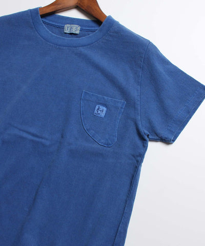 ≪ご予約商品/4月上旬お届け≫TES CALIFORNIA PIGMENT FIN POCKET TEE