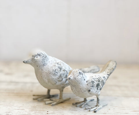Chippy Vintage Style Iron Bird