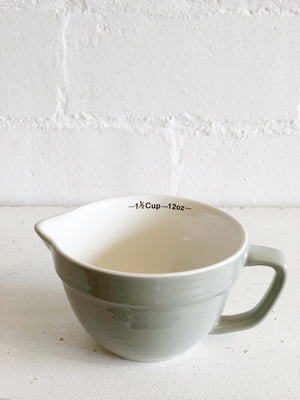 Stoneware Batter Bowl Measuring cups