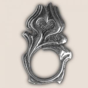 FLAME HEART SUNGLASS HOLDER PIN