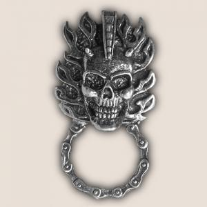 MOHAWK SKULL SUNGLASS HOLDER PIN