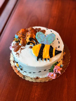 Mini Busy Bee *Cake of the Month*