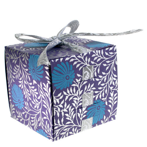 Folding Gift Box (Large Square)