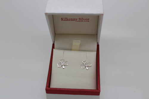 Shamrock stud earring with trinity symbol