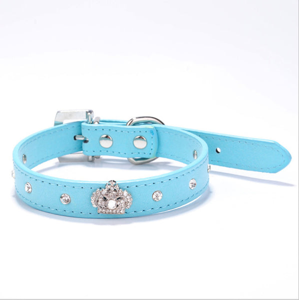 Dog collar with rhinestone crown light blue