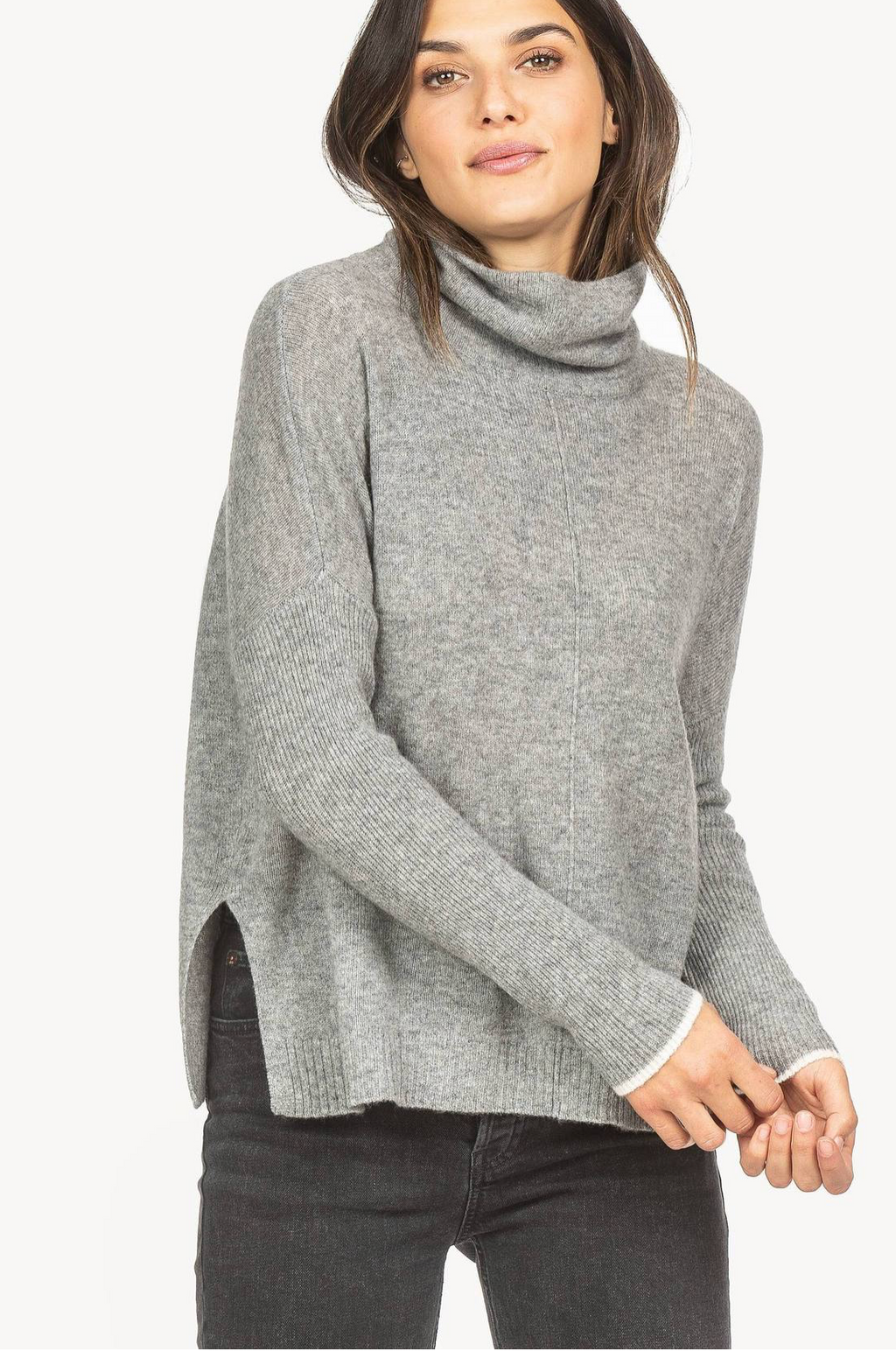 100% Cashmere Ribbed Sleeve Turtleneck Sweater