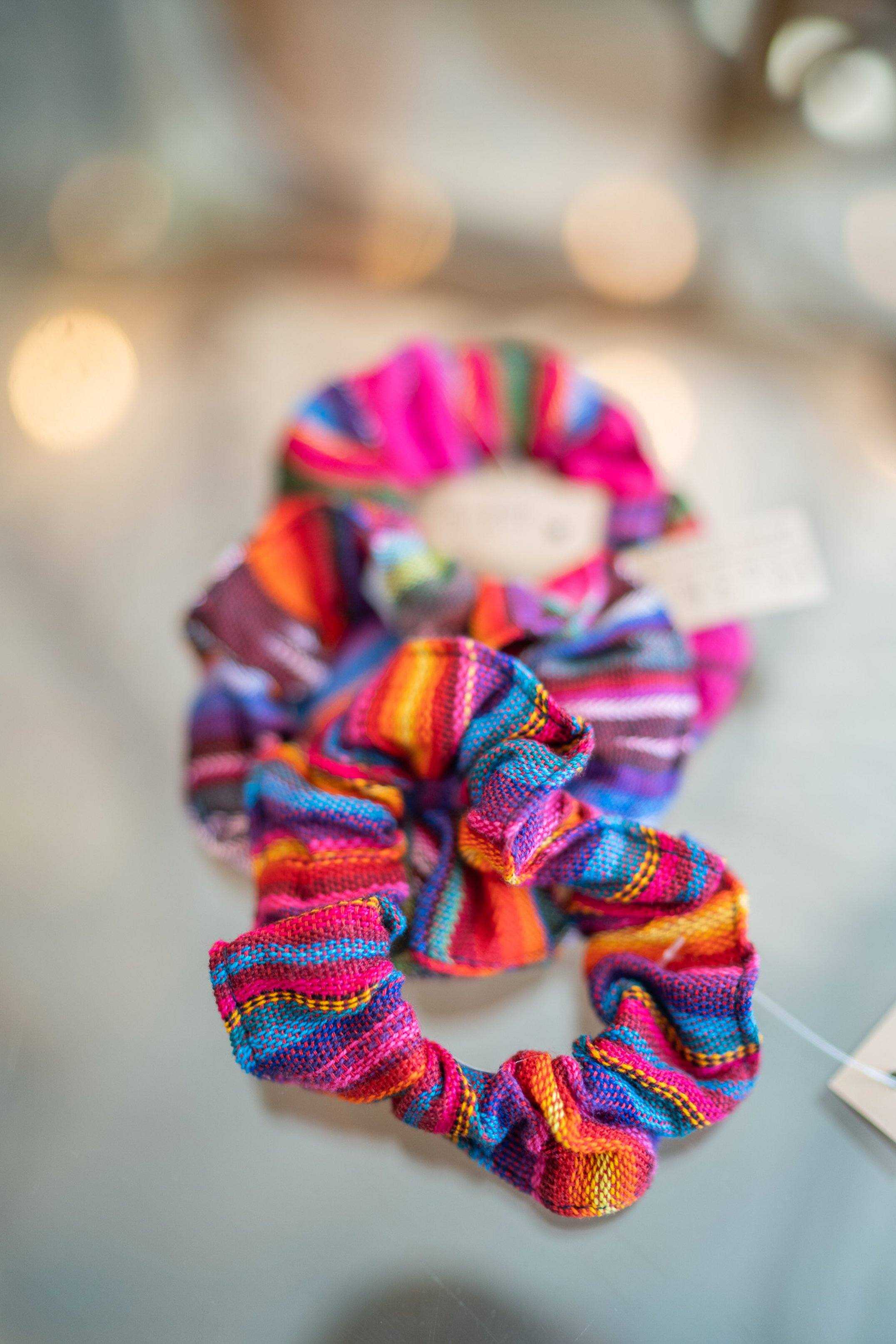 Woven Scrunchie Pinks