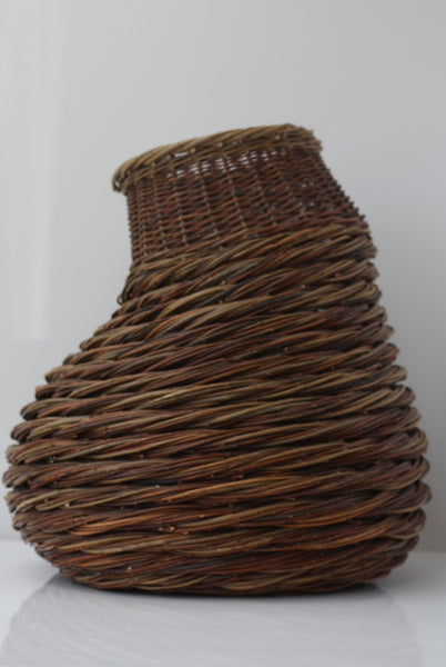 HANDWOVEN WOBBLE BASKET