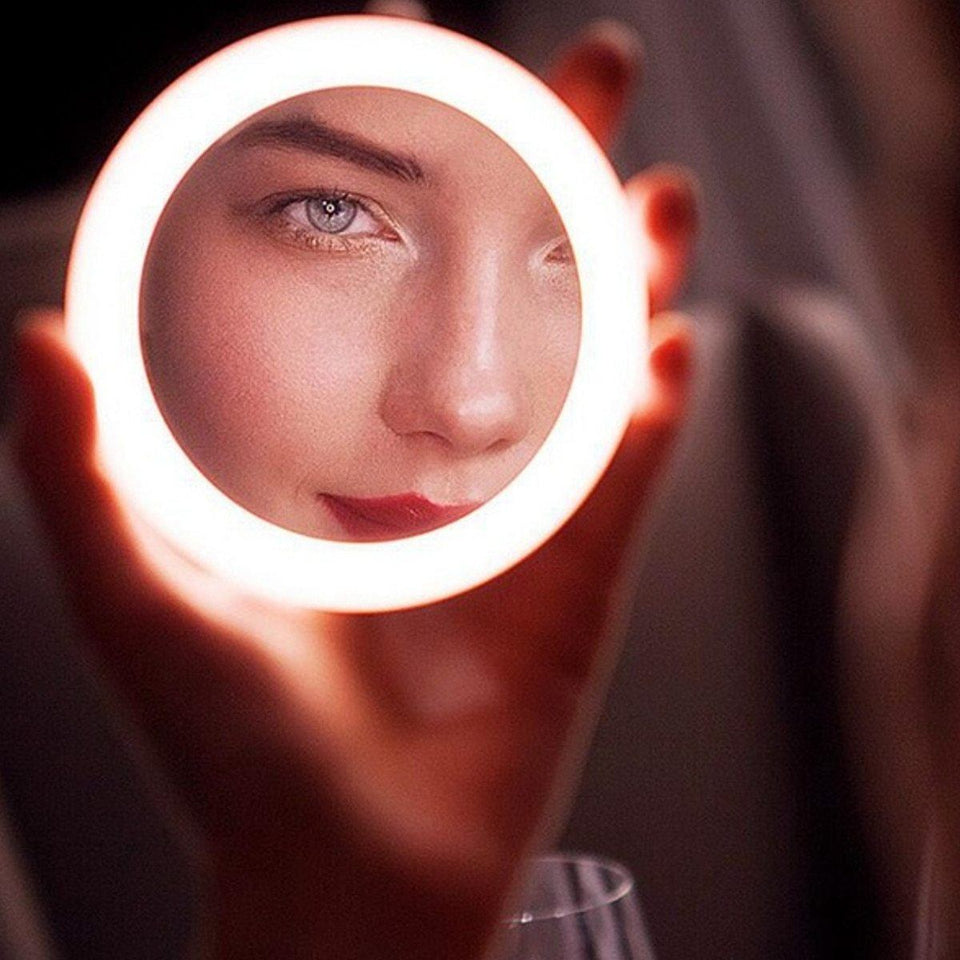 Wireless Charging LED Makeup Mirror - Gear Elevation