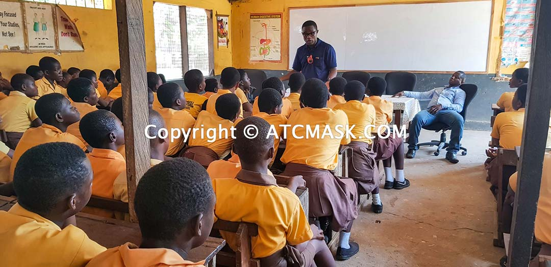 Accra Royal Junior High School & members of Jamestown slaughterhouse receive anti-pollution face masks