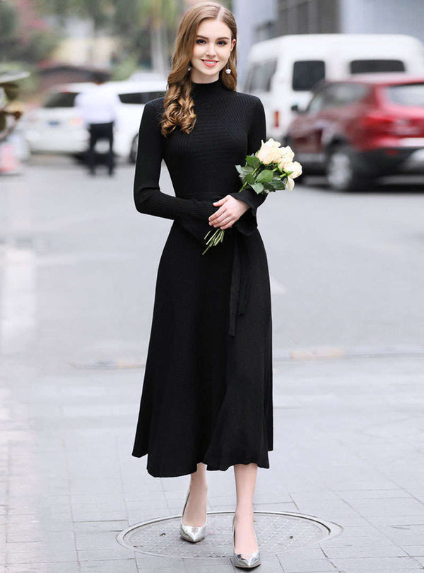 Solid Color Flare Flare Sleeve Knitted Maxi Dress