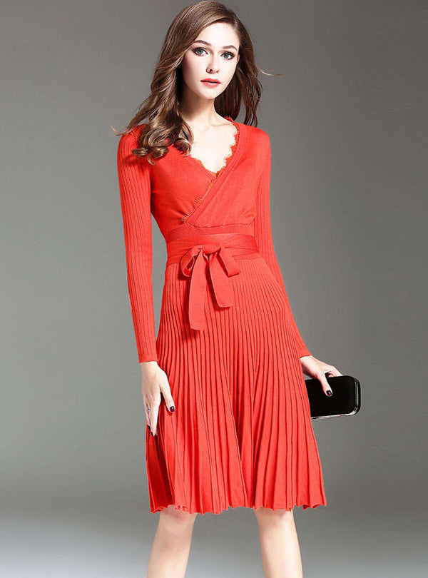 Solid Color V-Neck Lace-up Pleated Midi Dress