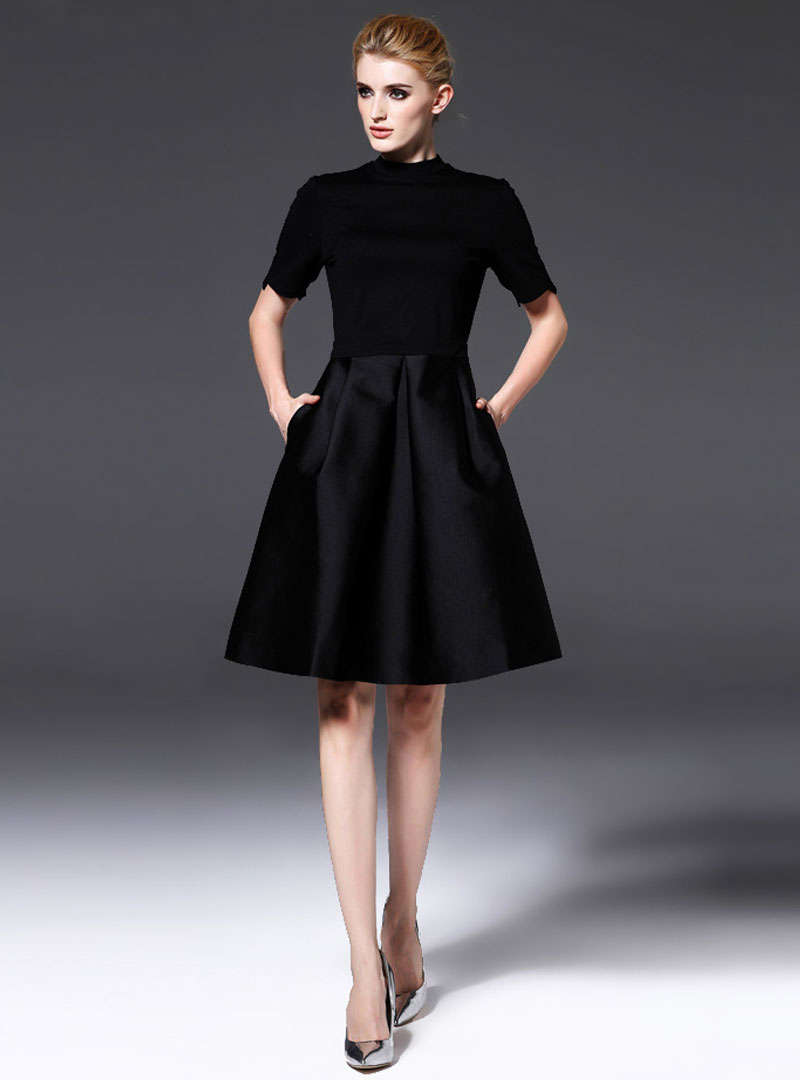 Black Sheath Side Pocket A-line Midi Dress