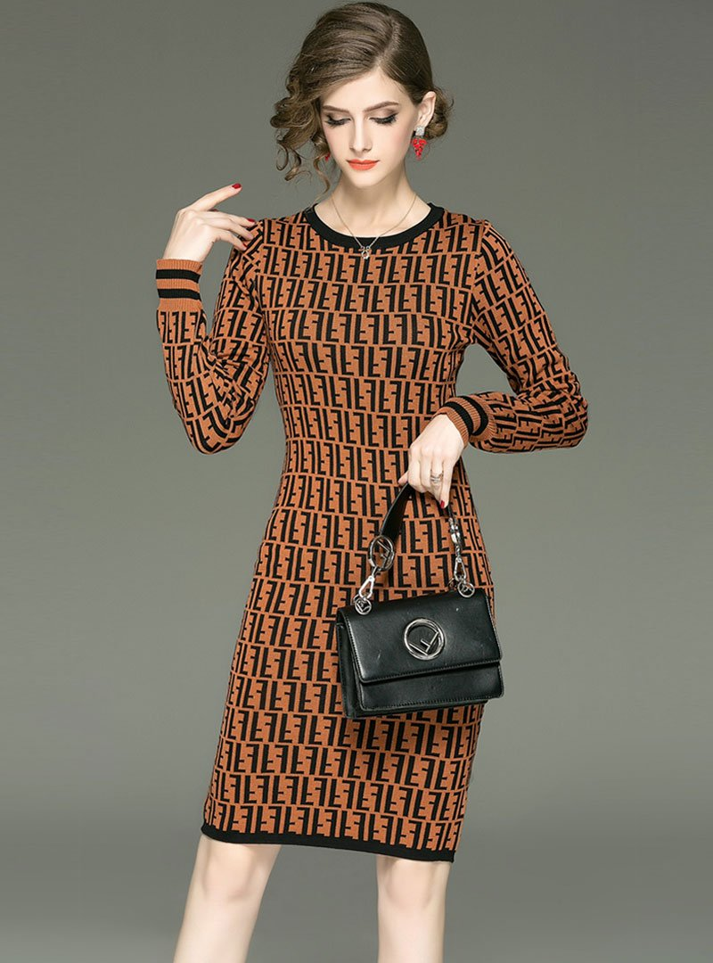 Round-Neck Letter Printed Knitted Sweater Dress