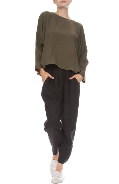 Black Crane Carpenter Pants in Dark Green with Gathered Top in Sand