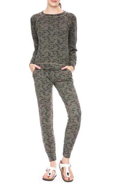 Monrow Camo Print Sporty Sweatpants in Olive at Ron Herman