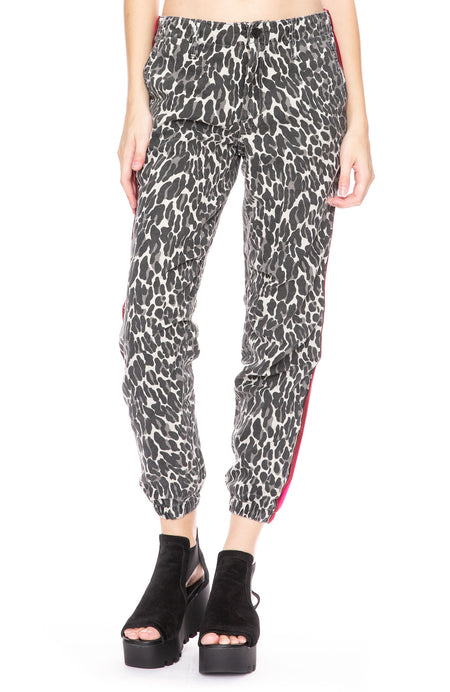 No Zip Misfit Pant in Jungle Eyes