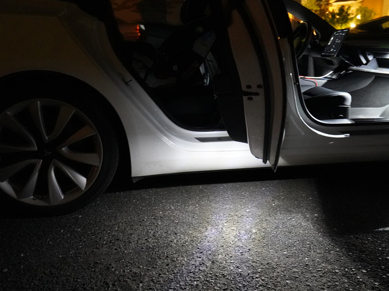 Tesla Model 3 door puddle lights