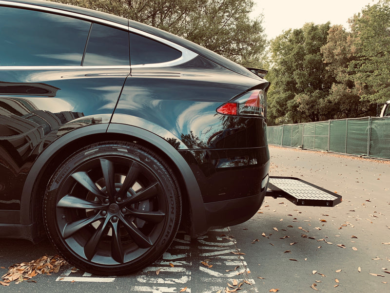 Tesla Model X cargo carrier: Lightweight aluminum, easy stowaway