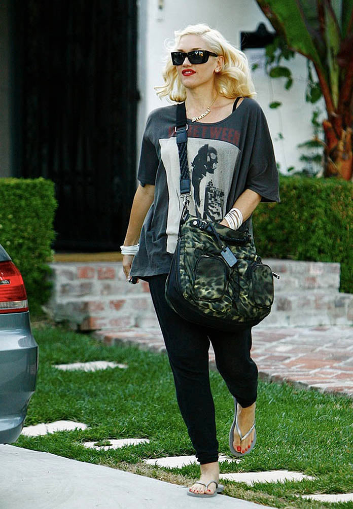 Hollaback Girl Gwen Stefani wearing the Velum