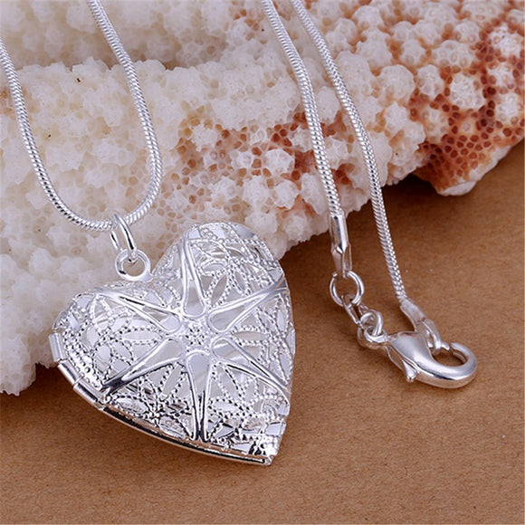 Silver plated Heart pendant snake necklace