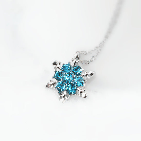 Beautiful Snowflake Shiny Blue Crystal Rhinestone Pendant Necklace