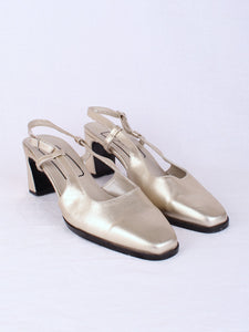 GOLD PUMP HEEL, SIZE 10 | SWEET CHARITY STORE | AUCKLAND NZ