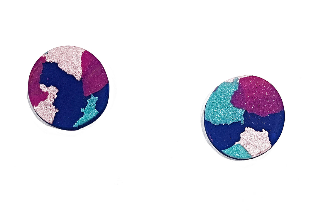 Evelyn medium stud earrings