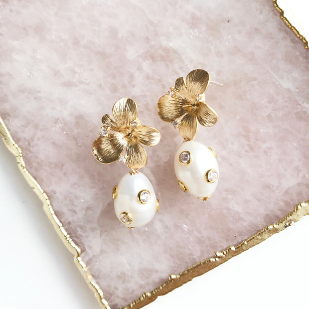 Anne Earrings with Studded Pearl