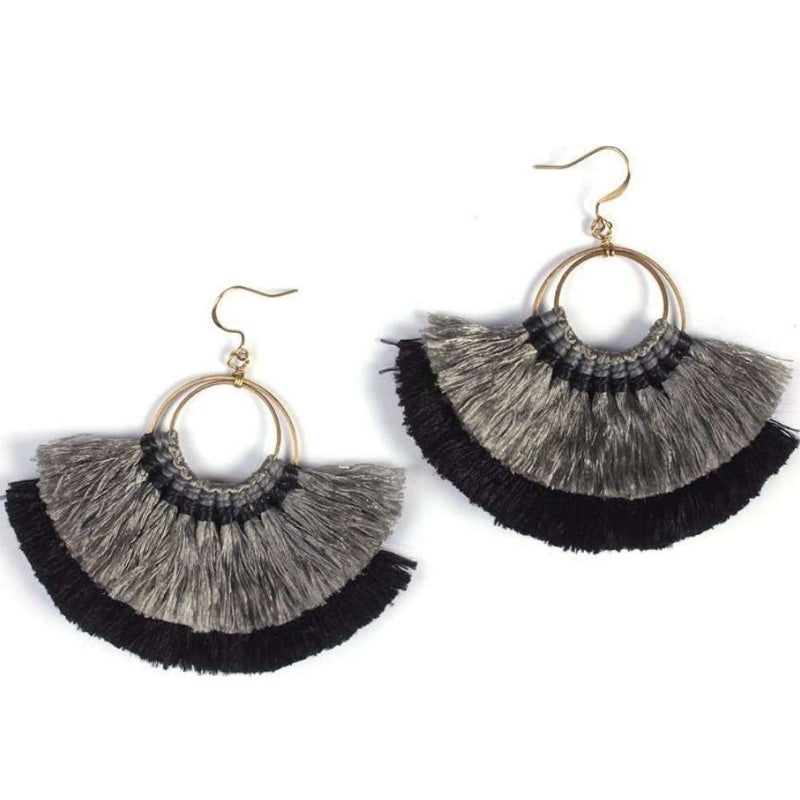 No.24 Women's Tassel Fan Earrings Black and Grey