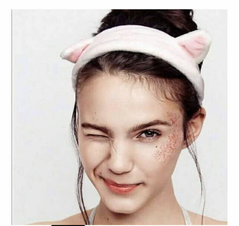 A hair band in the shape of a cat's ears - MarkeetEx