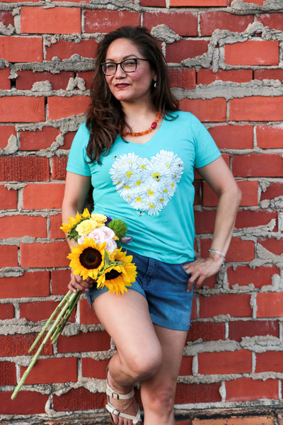Tahitian Blue Daisy Women's t-shirt