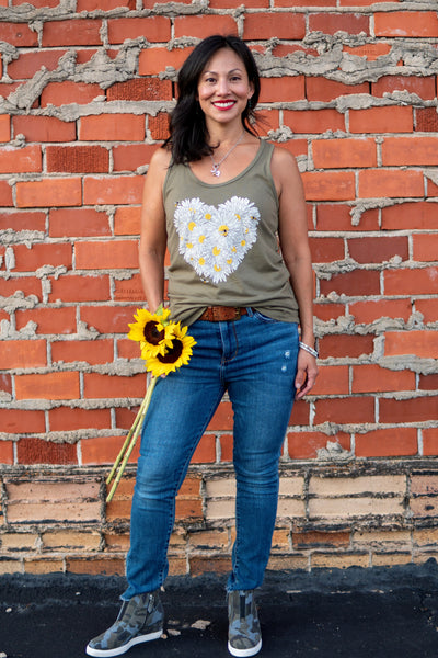 Daisy & Honey Bees Women's Tank