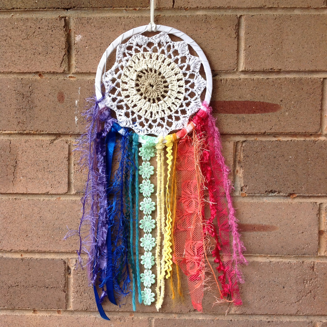 Dreamcatcher Crochet Boho Rainbow 16cm