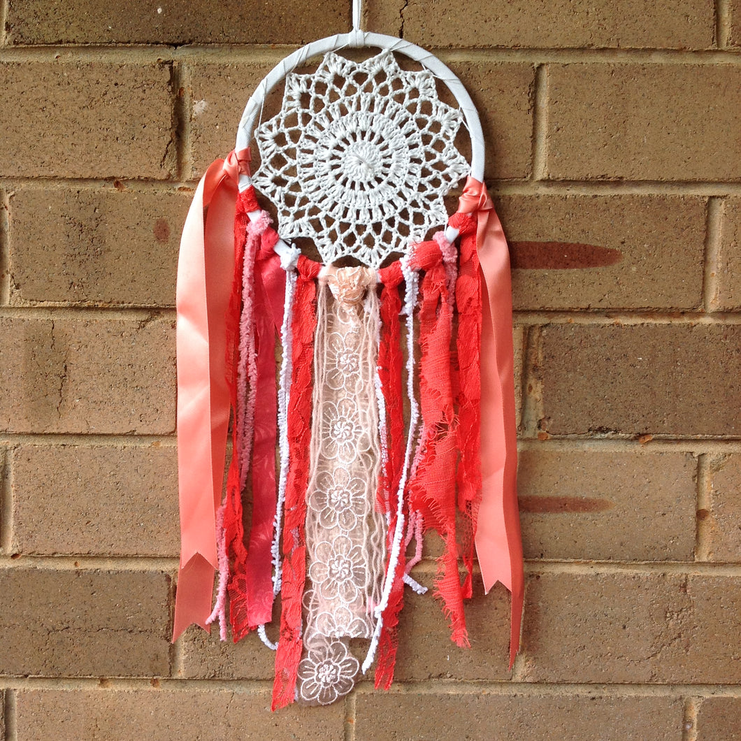 Dreamcatcher Boho White Crochet Peach 16cm