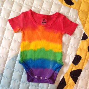 Tie Dyed Rainbow Baby Romper/Onesie Red Top Size 000