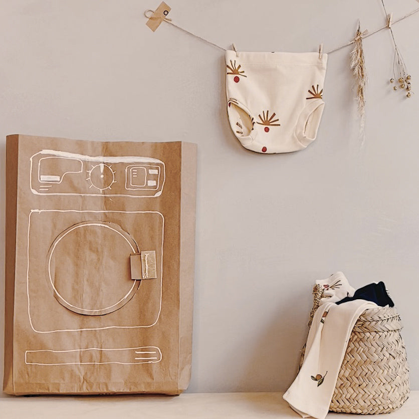 Turn a mailer into a play washing machine