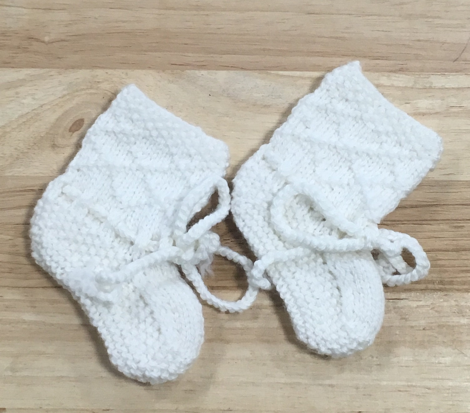 White with Diamond Pattern Merino Wool Booties - 0 - 3 months