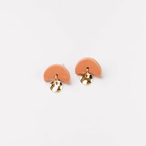 Pepper You Mini Annabelle Earrings in Caramel