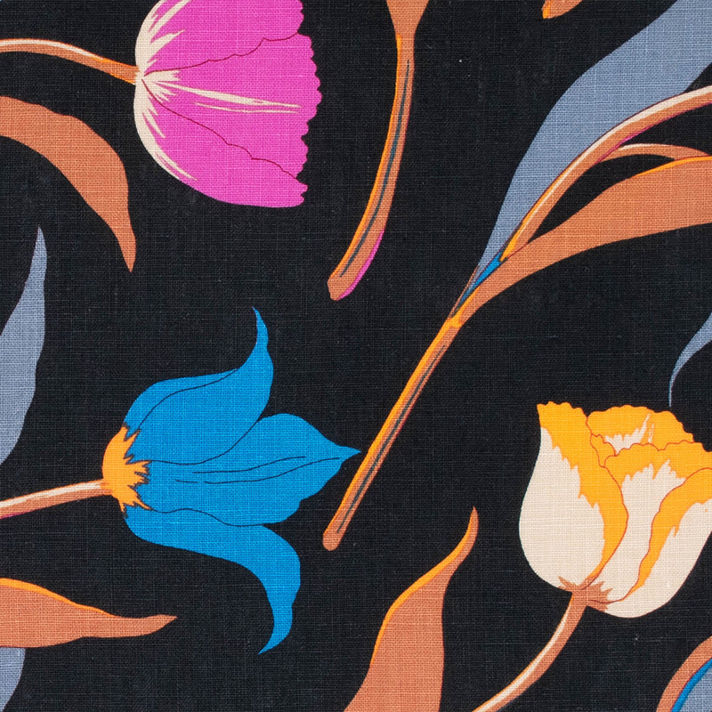 3 Tulips Placemat Black