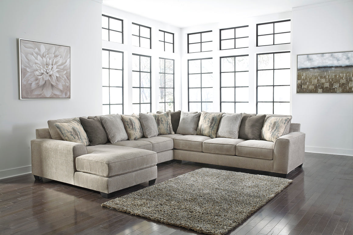 Ardsley Sectional Living Room Set