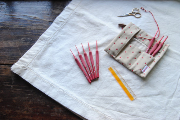 Tulip Etimo Red Crochet Hooks- Set