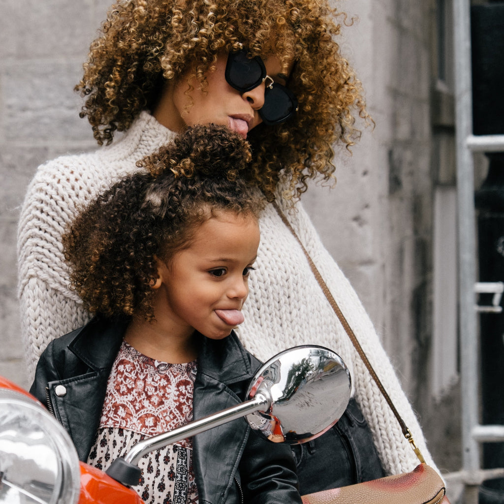 Celebrating Working Moms of Color: 9 Stellar Accounts to Follow