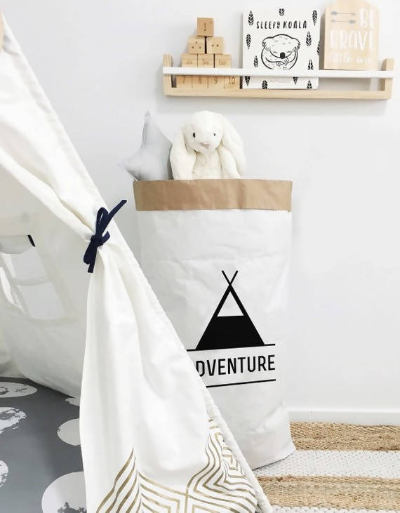 Adventure toy sack