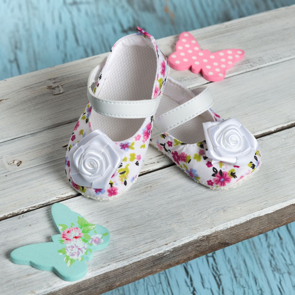 White Sandals with White Flower